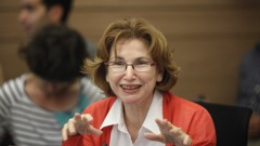 שרת הבריאות, יעל גרמן, במהלך דיון בכנסת (צילום: פלאש 90)