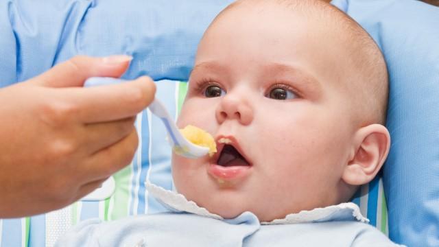 תינוק אוכל (צילום: אילוסטרציה)