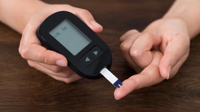 בדיקת רמת סוכר (צילום: אילוסטרציה)