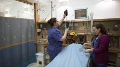 """אחיות בבית החולים """"הדסה"""" עין כרם (צילום: יונתן סינדל / פלאש 90)"""