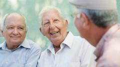 מפגש בין גברים מבוגרים (צילום: אילוסטרציה)