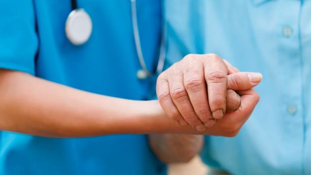 טיפול בחולי פרקינסון (צילום: אילוסטרציה)