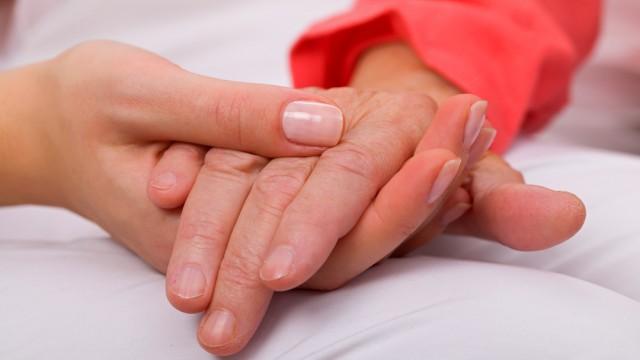 פרקינסון, טיפול בקשישים (צילום: אילוסטרציה)