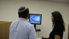 """מתמחים במרכז הירושלמי לסימולציה אנדוסקופית (צילום: """"הדסה"""")"""