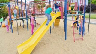 ילדים בגן משחקים בתל-אביב (צילום: אילוסטרציה)
