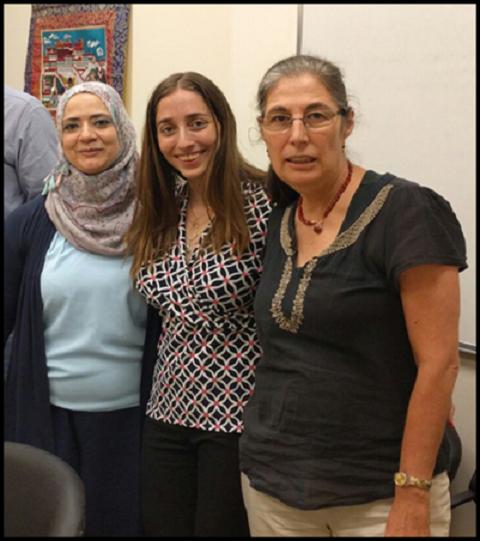 מימין: פרופ' אורה פלטיאל הדוקטורנטיות גפן קליינשטרן וראניה אבו סיר (צילום: פרטי)
